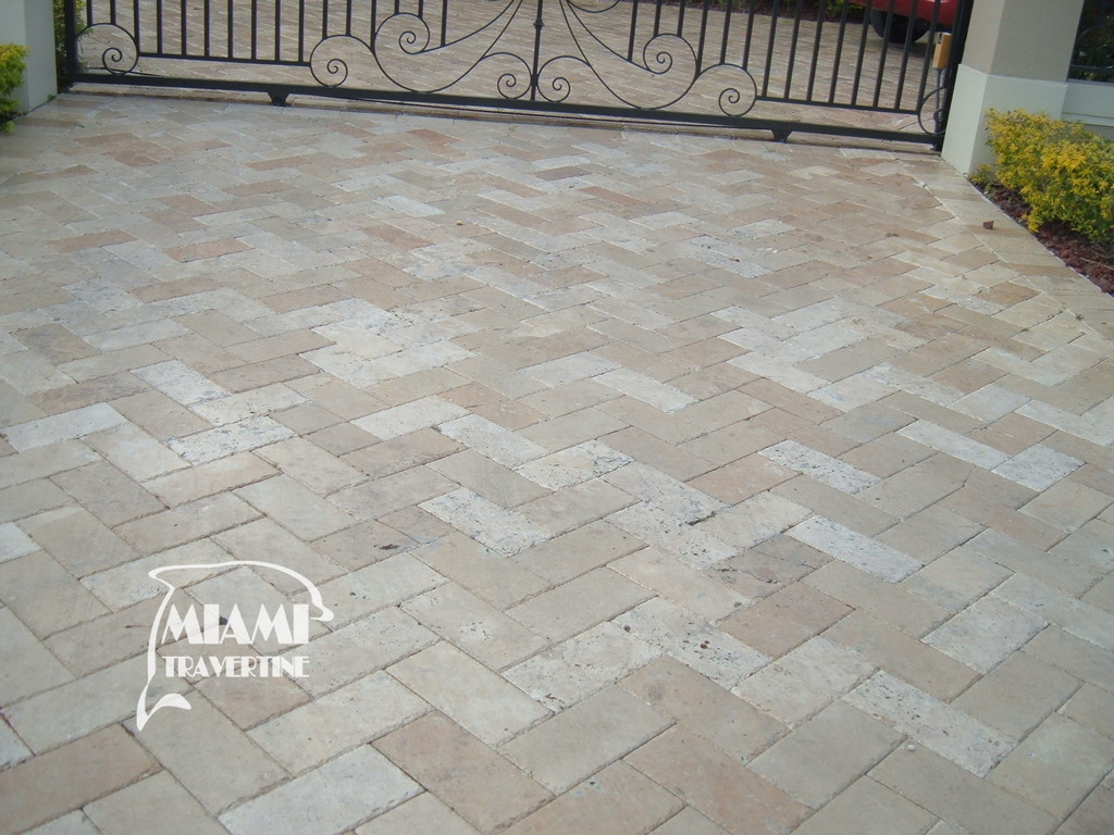 TRAVERTINE PAVER CHISELED 6X12 IVORY